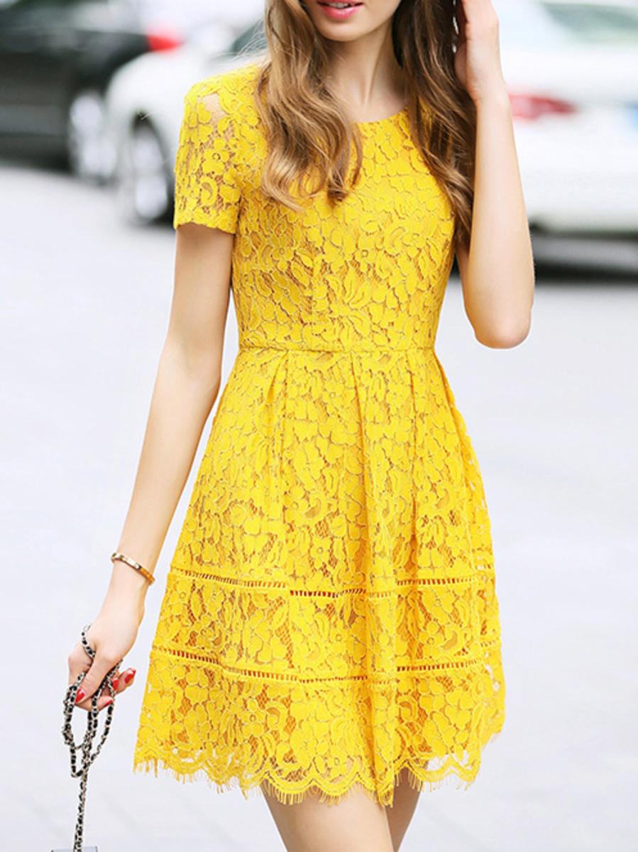 Желтые кружевное платье фото