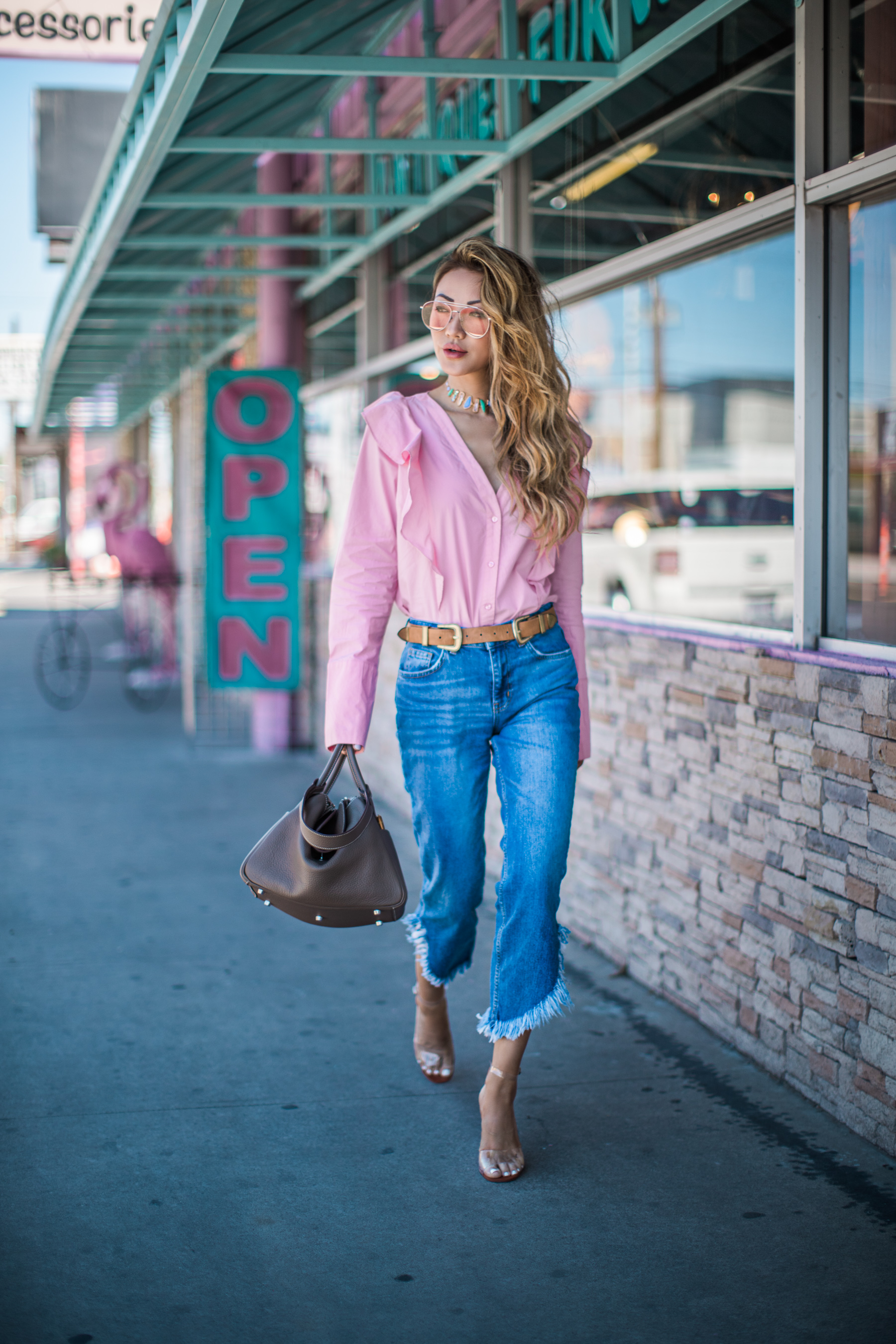 Trending Jeans for Spring - raw hem jeans, high-waisted jeans, denim outfits // Notjessfashion.com