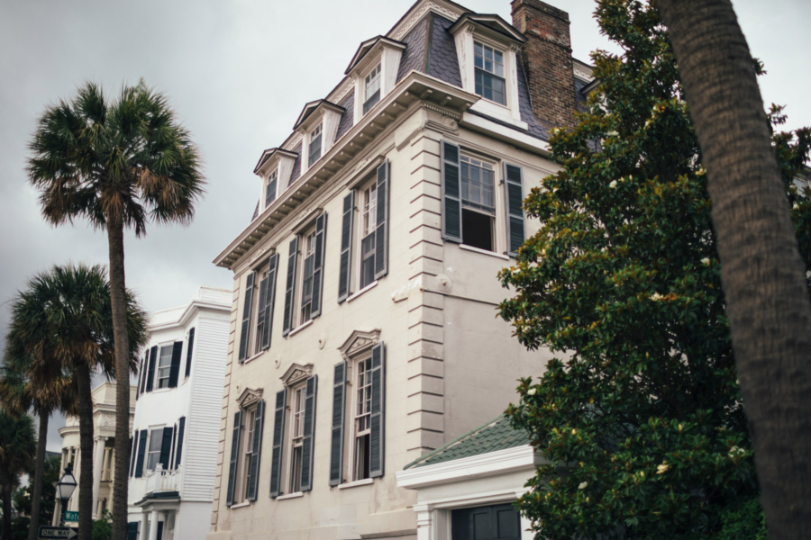 Charleston Charming Houses - Travel Guide: 36 hours in Charleston, SC // NotJessFashion.com