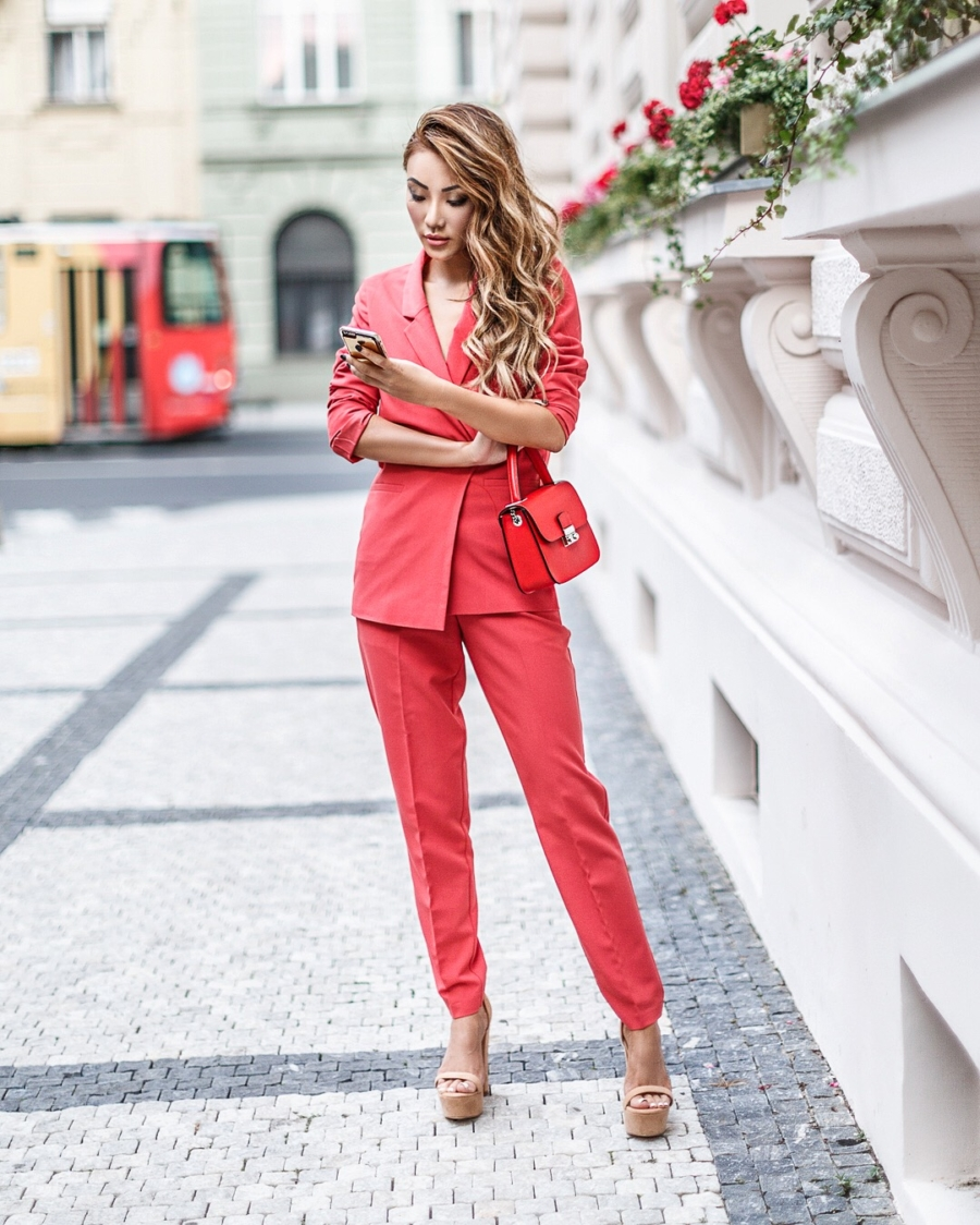 Fashion blogger Notjessfashion shows you how to dress like a fashion icon wearing the a red powersuit // Notjessfashion.com