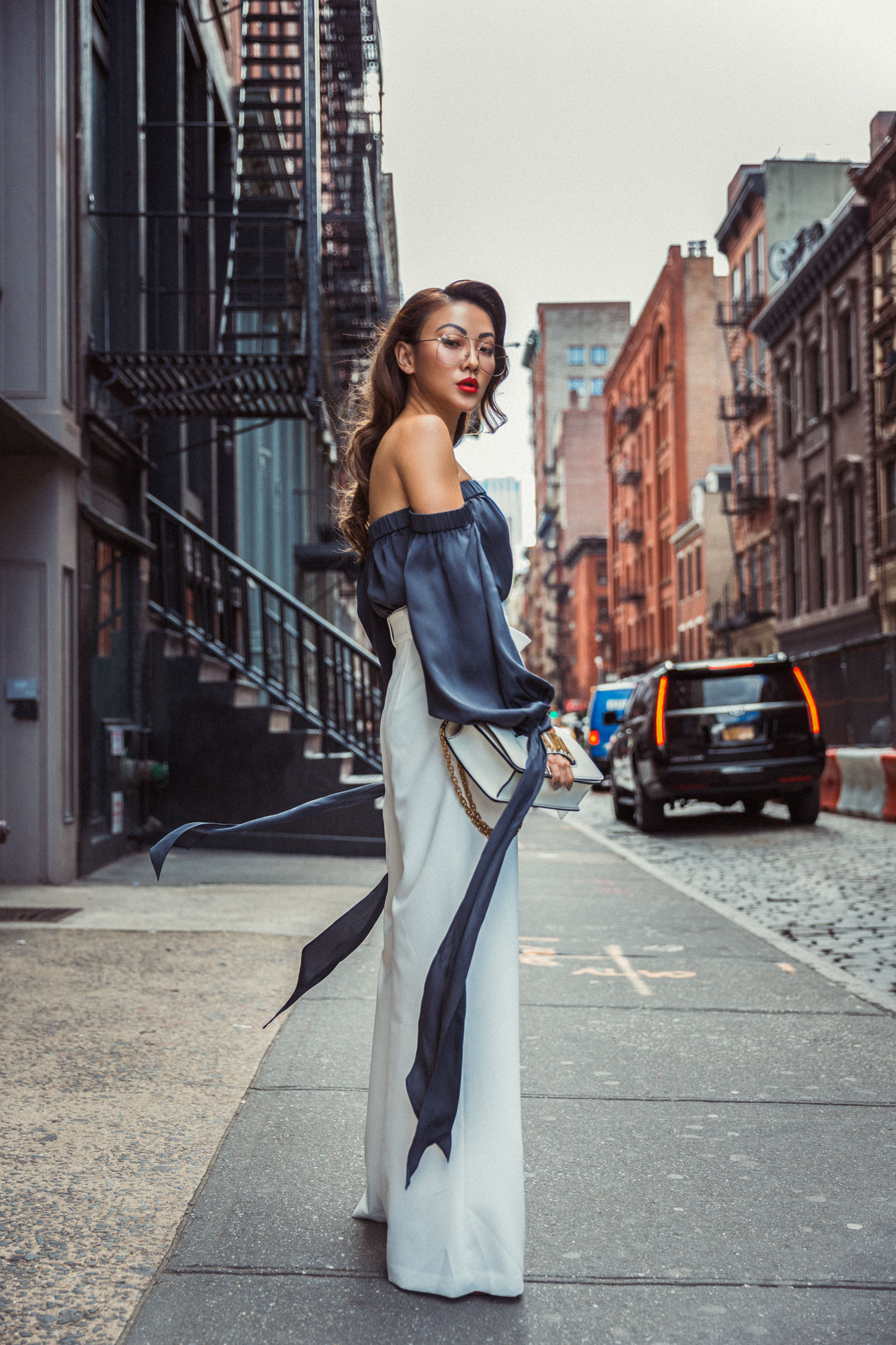 6 Crucial Tips for Surviving Fashion Week // Notjessfashion.com // Wide leg trousers, nyfw street style, nyfw ss18 street style, fashion blogger street style, fashion blogger nyfw, jessica wang, top blogger, nyc blogger, asian blogger, fashion week outfit