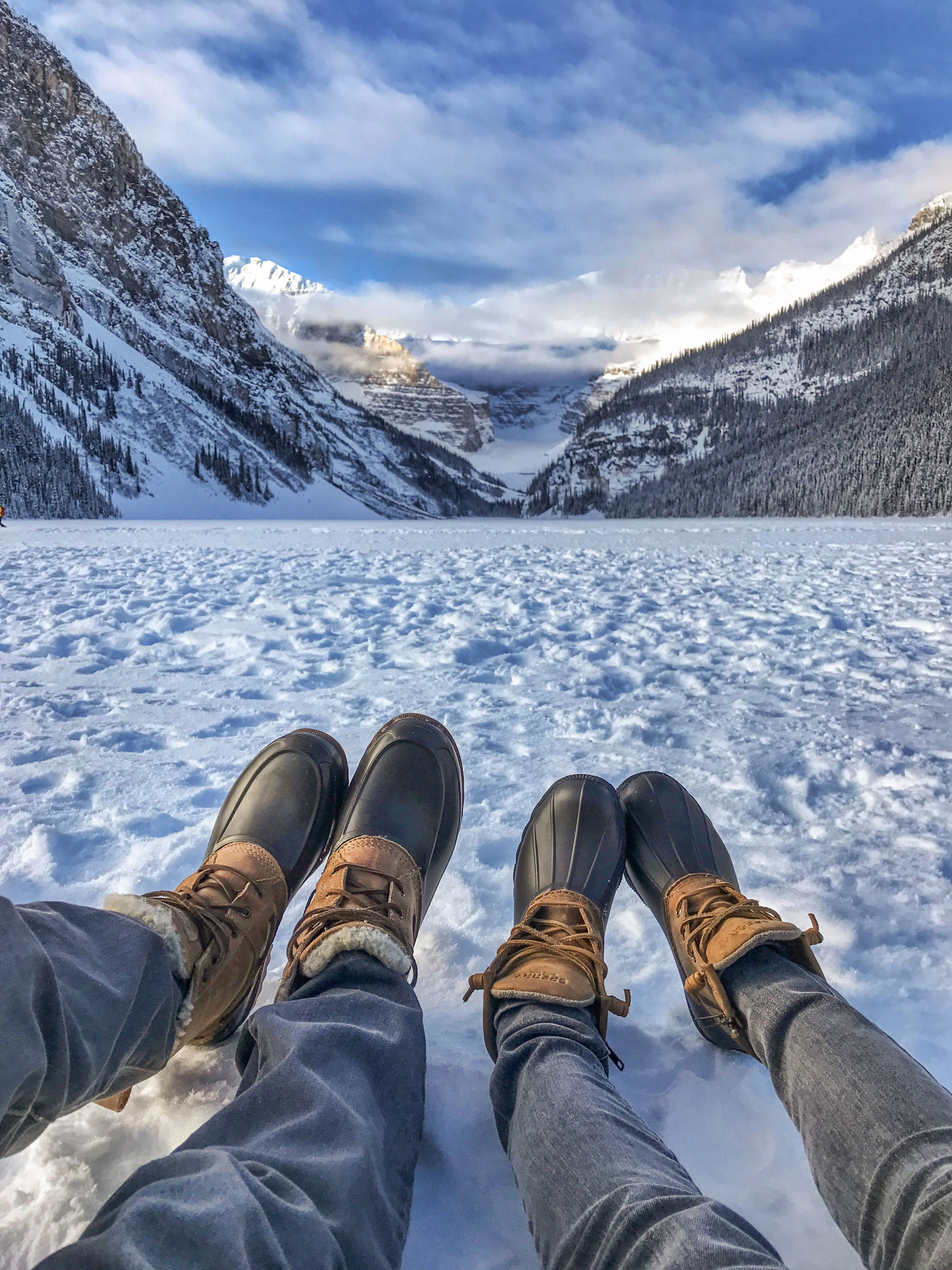 Banff Travel Guide - Snow Boots // Notjessfashion.com