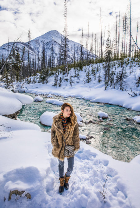 THE ULTIMATE PACKING LIST FOR A WINTER GETAWAY