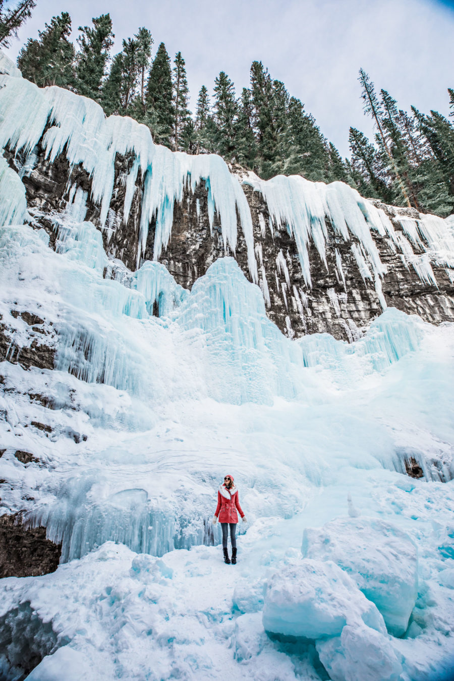 The best getaways for winter travel, snowy winter vacation, banff travel guide in the winter // Notjessfashion.com