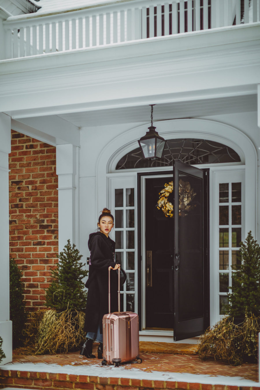 winter travel style, hartmann rosegold luggage // Notjessfashion.com