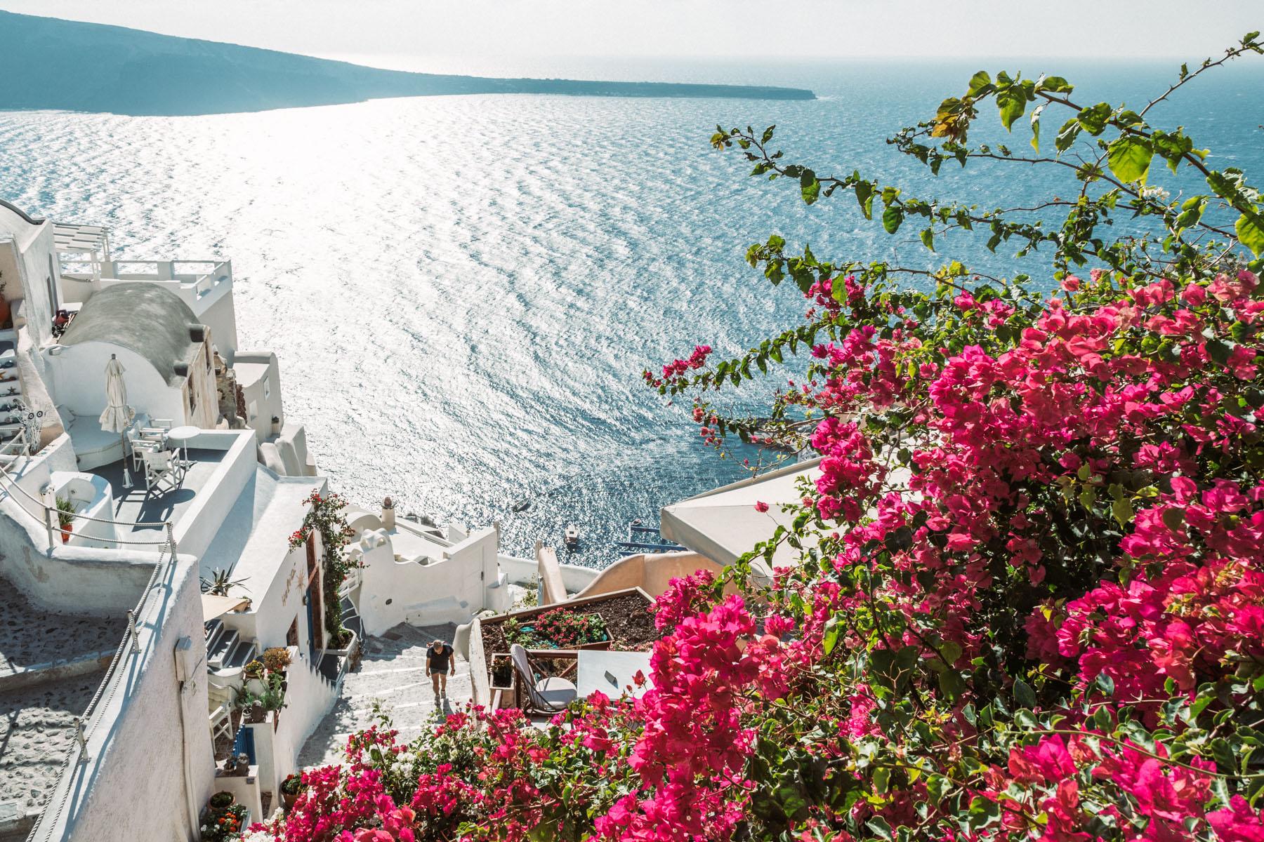The Ultimate Greece Travel Guide - Santorini & Mykonos // Notjessfashion.com // travel blogger, greece travel tips, mykonos travel tips, santorini travel tips, fashion travel blogger, santorini photos, mykonos photos, santorini travel spots, mykonos travel spots