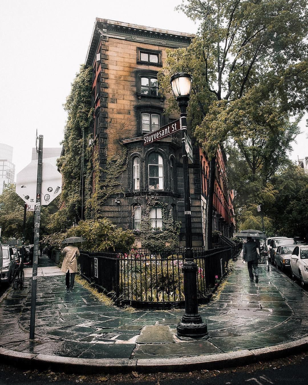 Places for Great Snow Photos - East Village, Stuyvesant Street, in the Winter // Notjessfashion.com