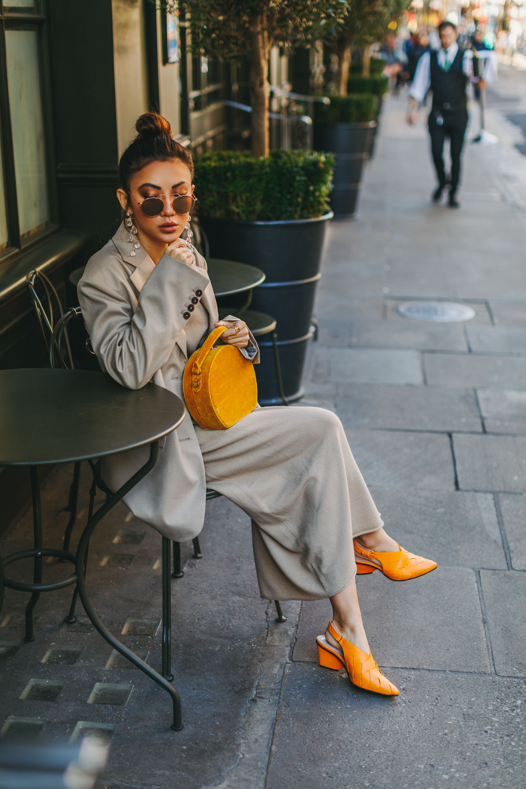 London Fashion Week Recap - Beige Outfit with yellow handbag, yellow circle bag // Notjessfashion.com