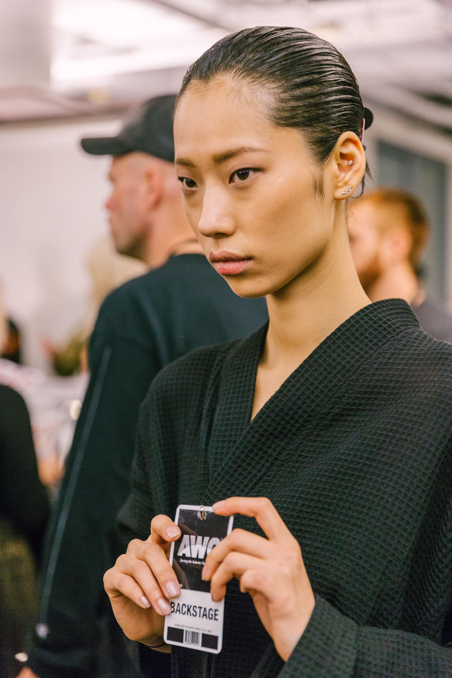 5 MAJOR BEAUTY TRENDS FROM NYFW BACKSTAGE // Notjessfashion.com // fall 2018 beauty trends, fall 2018 nyfw backstage, fall 2018 runway beauty