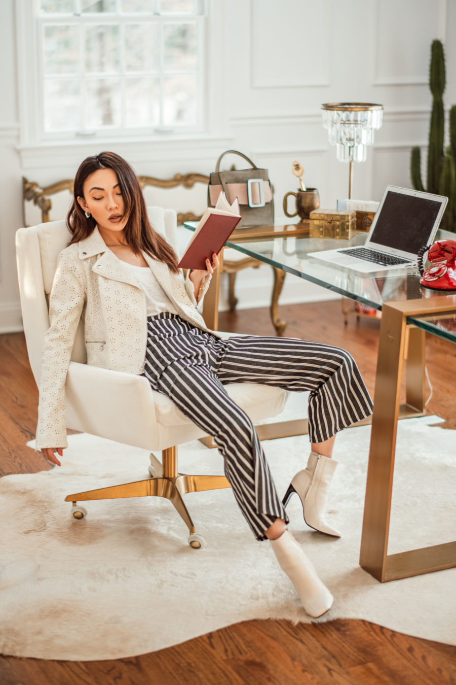 Productivity tools for 2019, office style, chic office outfit // Notjessfashion.com