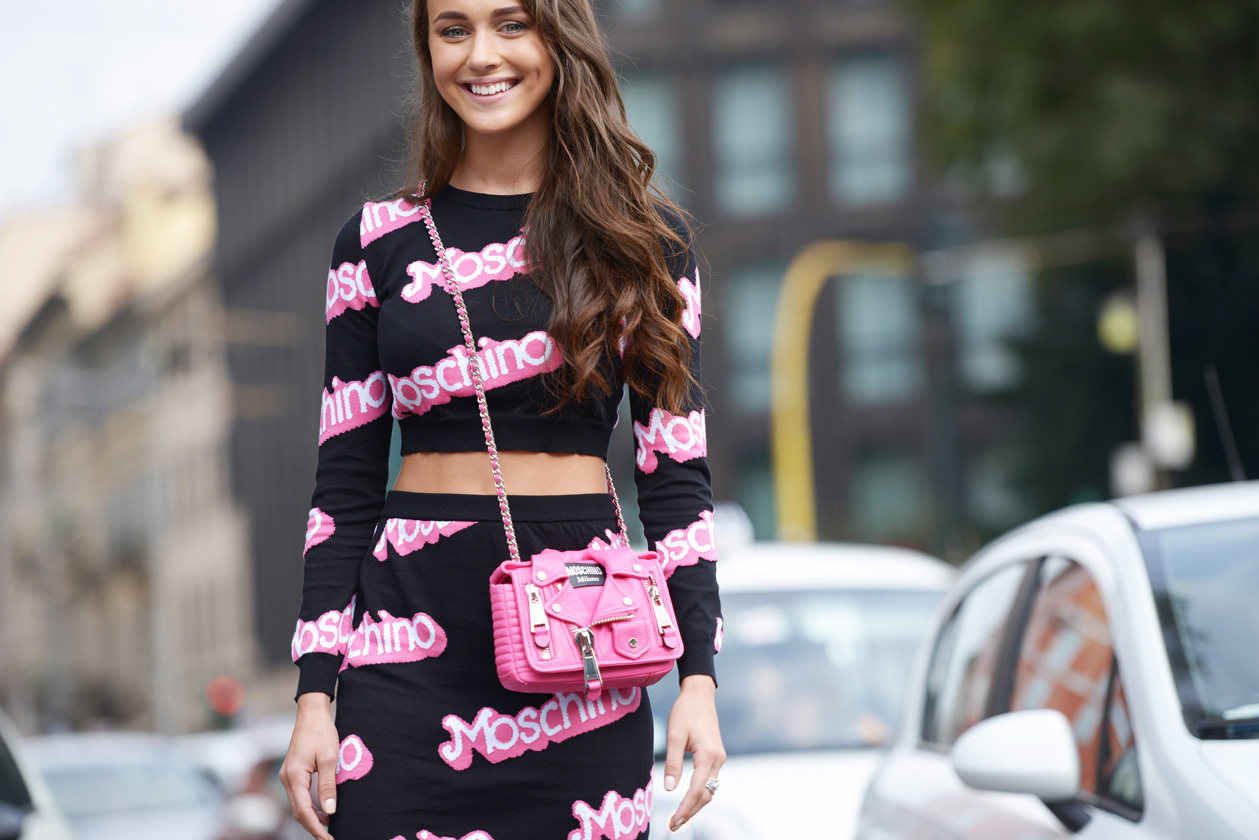 Rock the logomania trend - logomania outfit street style // Notjessfashion.com