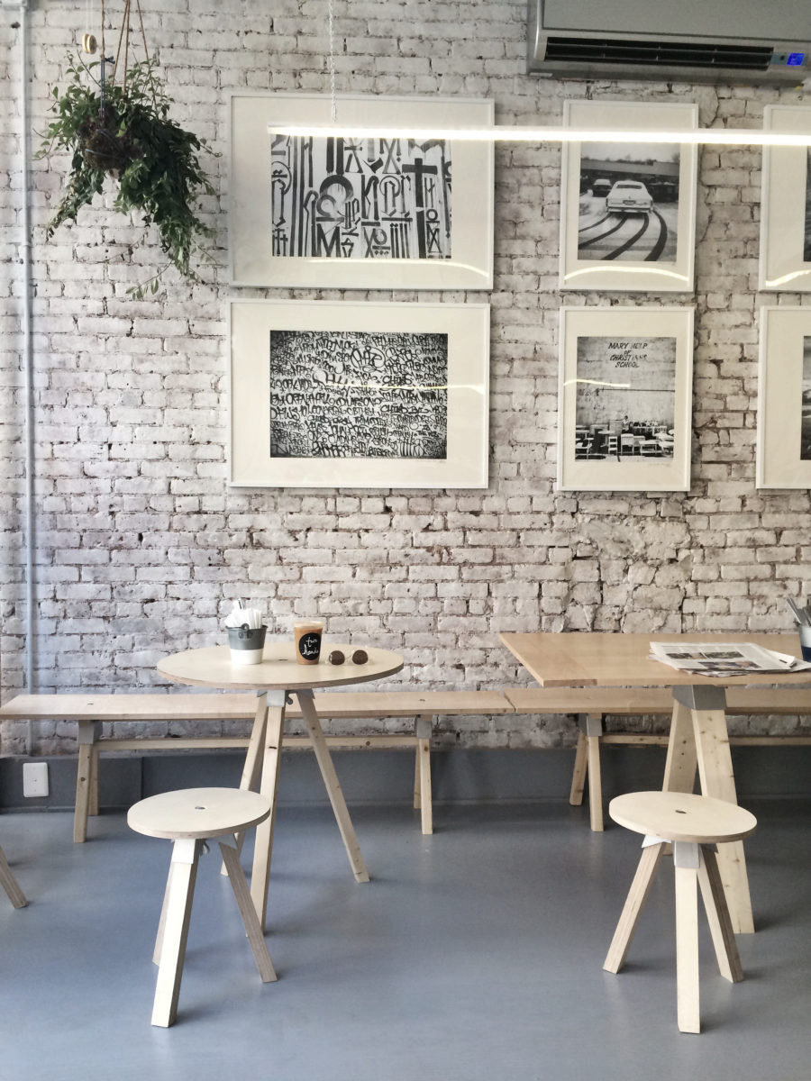 10 Cutest NYC Cafes - Two Hands NYC // Notjessfashion.com
