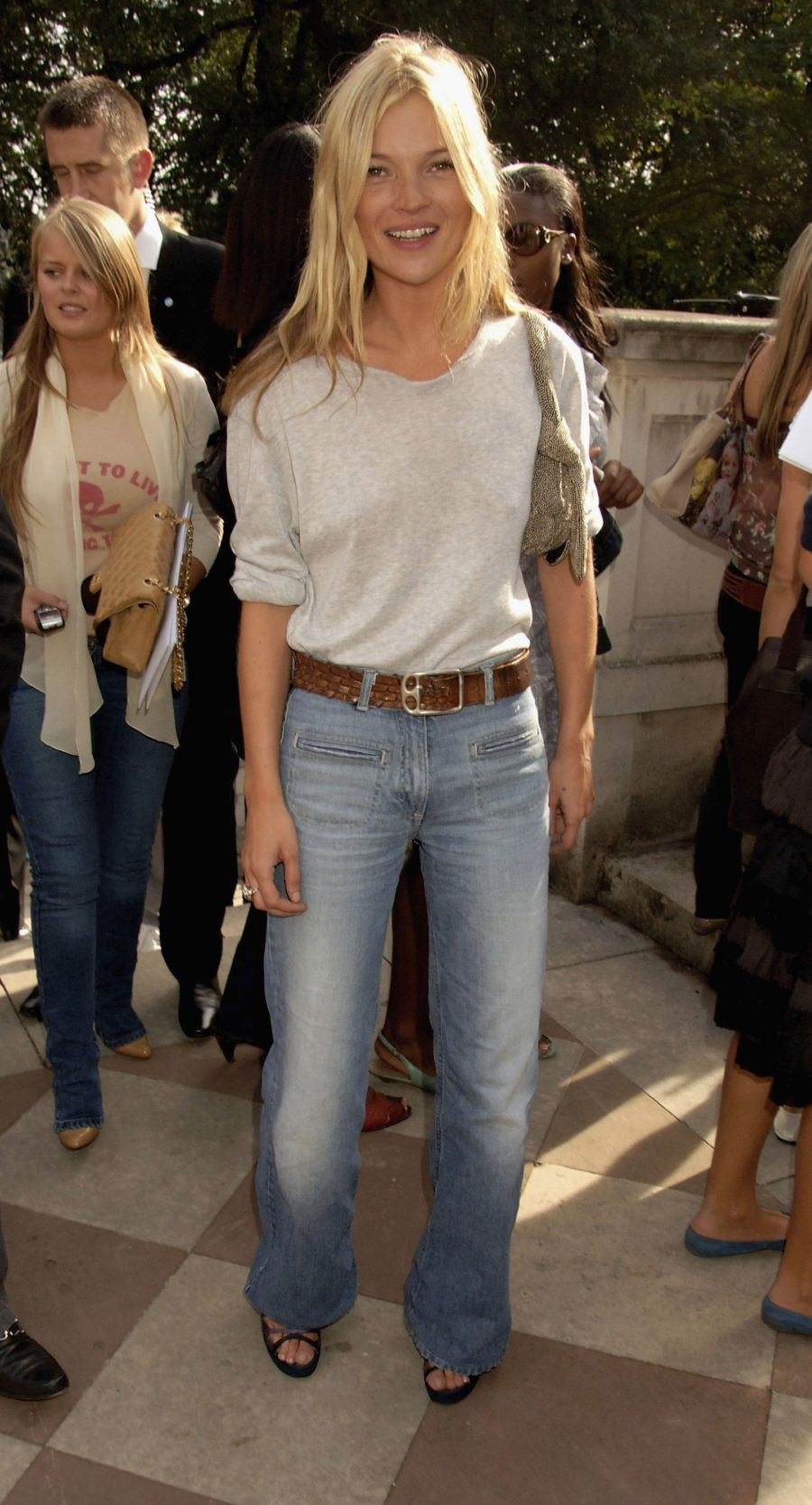 Classic Denim Styles With a Twist - Long flared jeans, kate moss jeans style // Notjessfashion.com