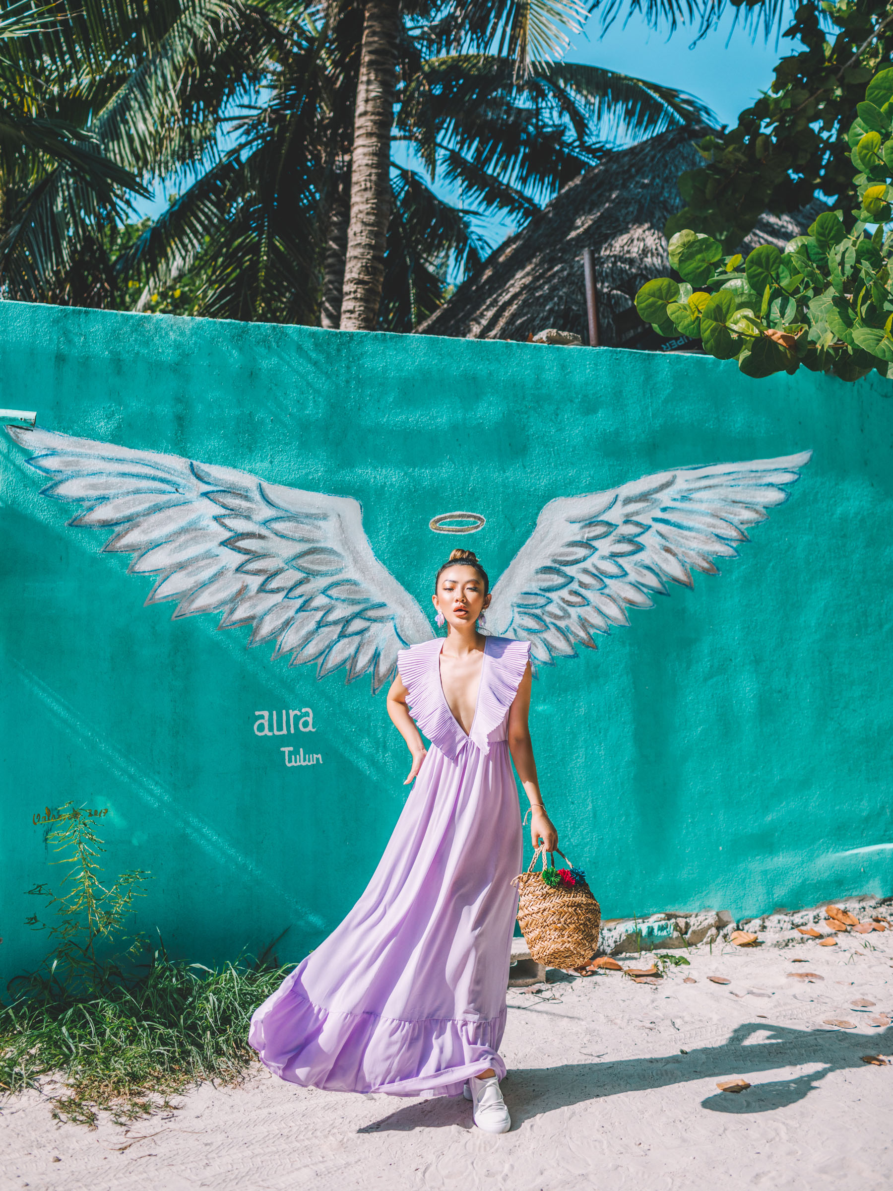 wear a bra without a dress, plunging neckline dress, cutout dress, tropical style, nastygal lavender dress // Notjessfashion.com