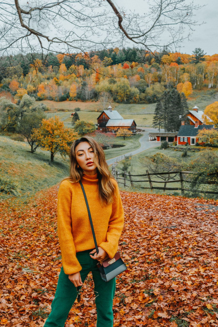 How I Manage Work Life Balance as a Mom - fall in vermont // Notjessfashion.com