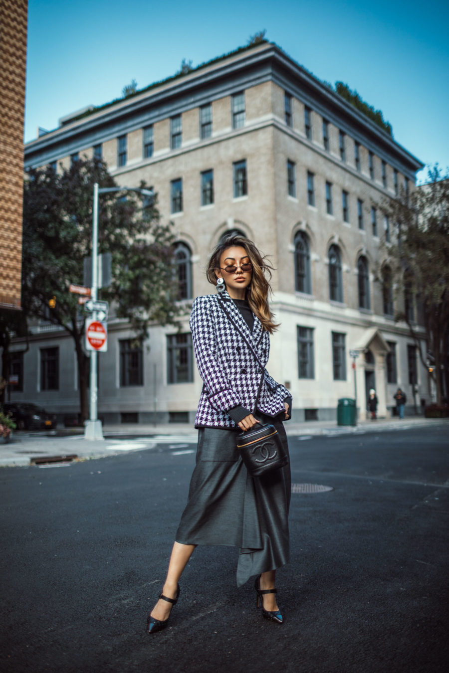 all outfit formulas - Houndstooth Blazer with tibi skirt // Notjessfashion.com