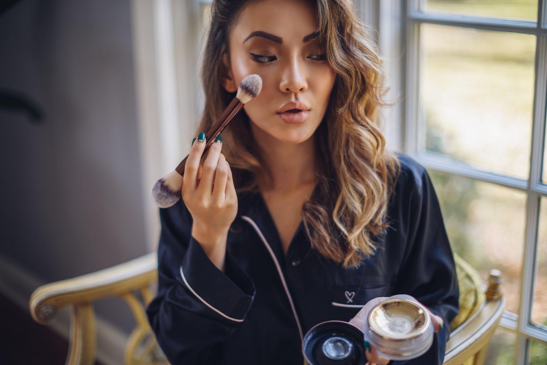 Hourglass cosmetics, hourglass makeup tutorial, holiday makeup tutorial, hourglass Veil Translucent Setting Powder// Notjessfashion.com