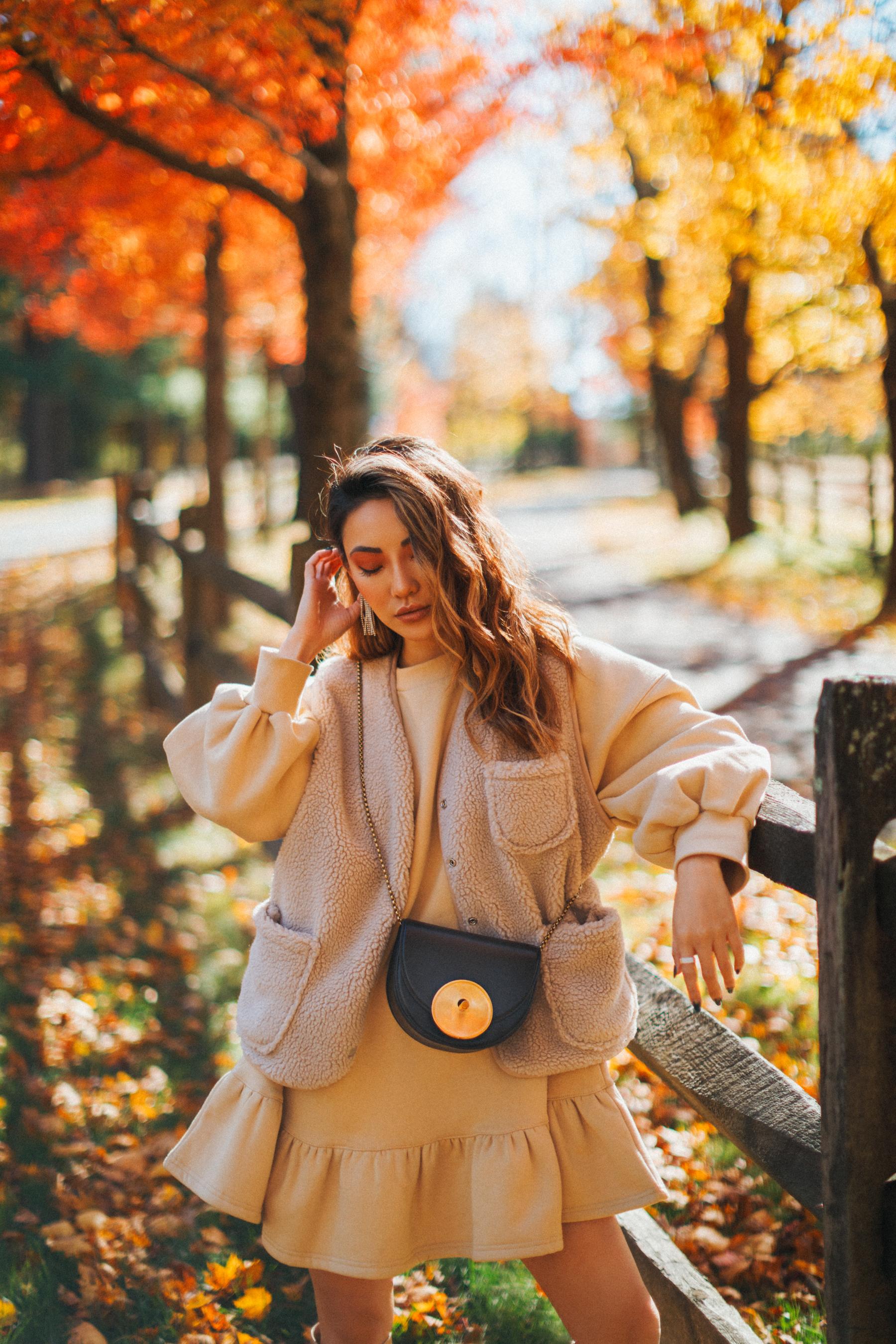 color trends of fall, beige outfit, monochromatic beige look, fleece jacket // Notjessfashion.com