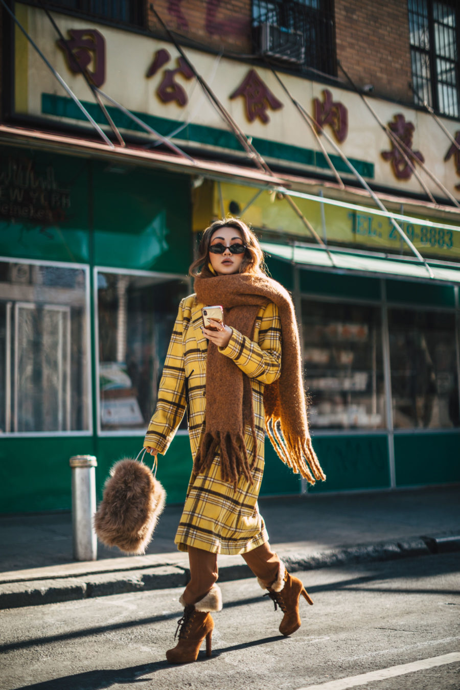 Behind the Scenes of a Successful Photoshoot Uber - New York Fashion Blogger, yellow plaid coat, chunky scarf, fur handbag // Notjessfashion.com