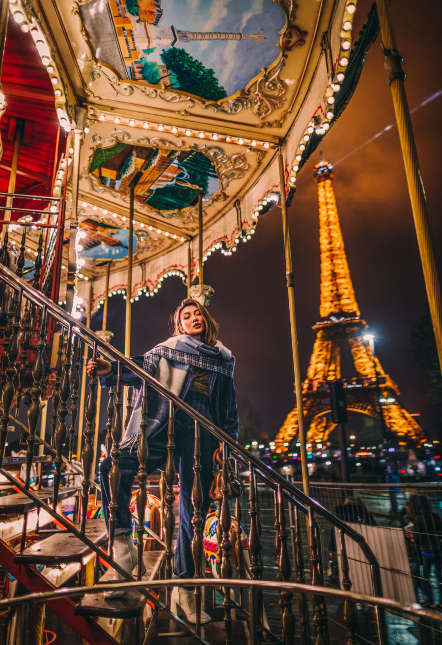 Winter Instagram Outfits - Eiffel Tower at Christmas, what to wear to paris in the winter // Notjessfashion.com