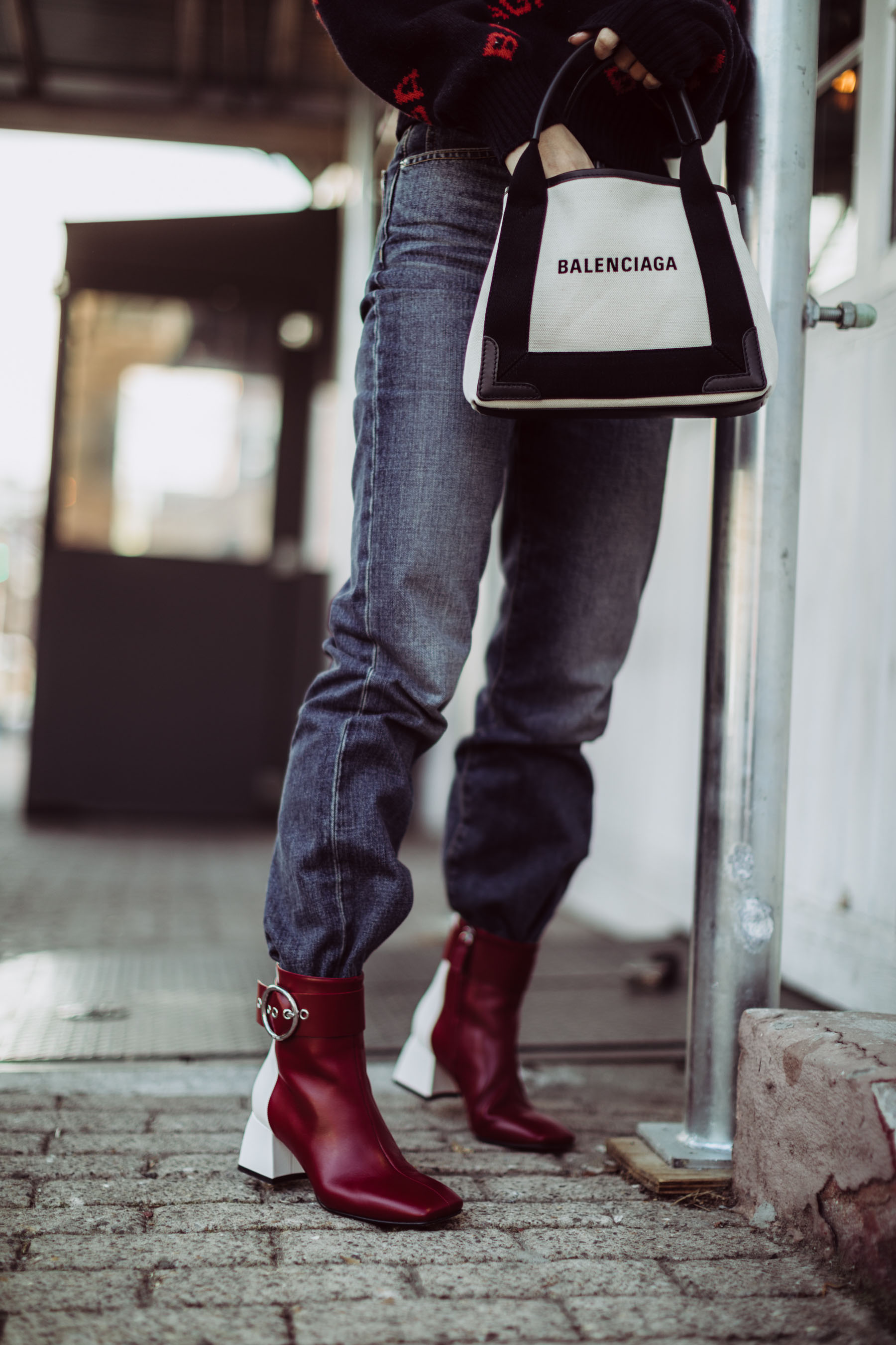 best fall 2019 boots, square toe boots, Balenciaga Logo Sweater, Balenciaga Tote, Dakar Boots, NYC Street Style // Notjessfashion.com