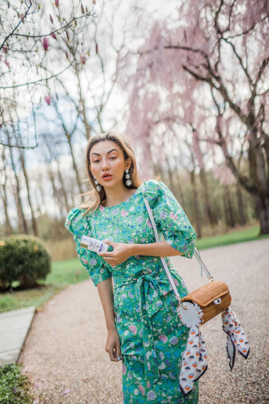 Olay Sun Face Sunscreen, Olay Sun Face Sunscreen review, puff sleeve dress, straw bag // Notjessfashion.com