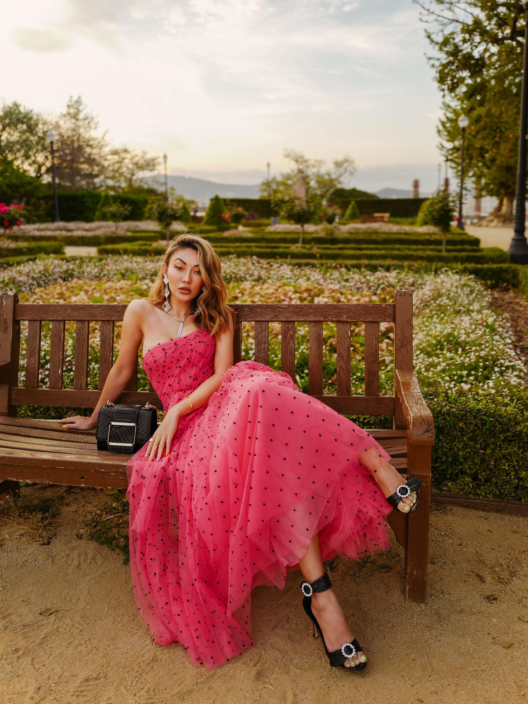 best fabrics to wear in the summer, carolina herrera chiffon dress, pink chiffon dress // Notjessfashion.com
