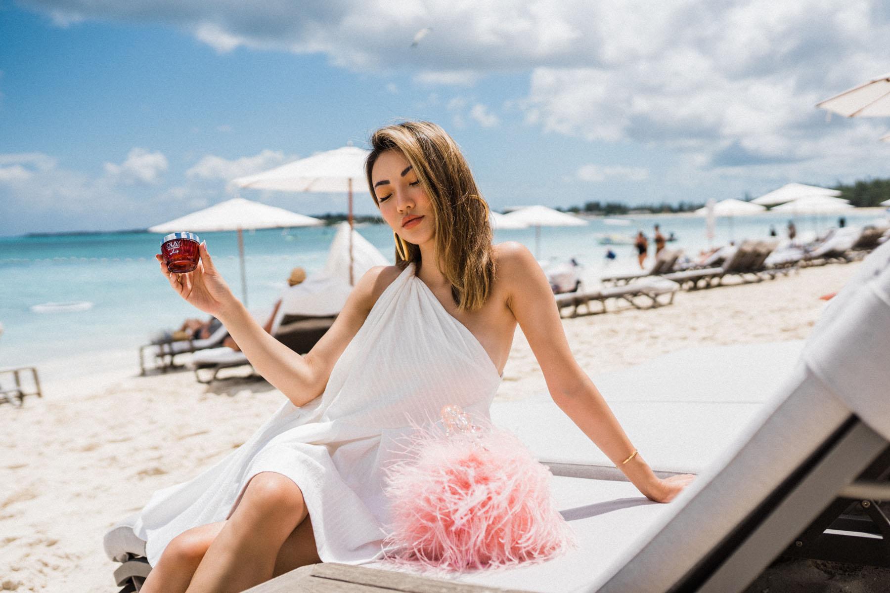 essential moisturizers for fresh summer skin, olay regenerist // Notjessfashion.com