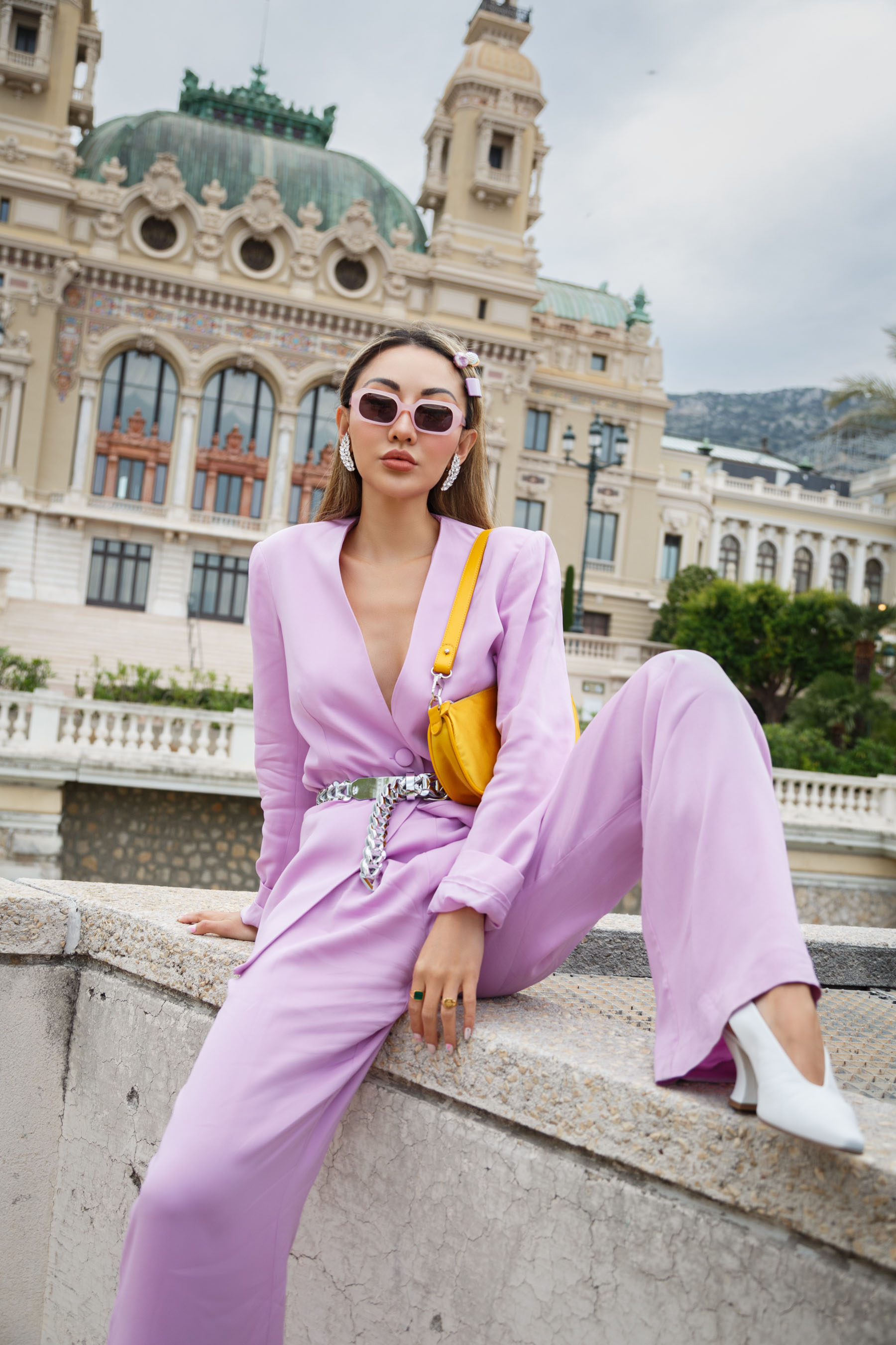 resume tools and tips, lavender suit, power suit trend // Notjessfashion.com