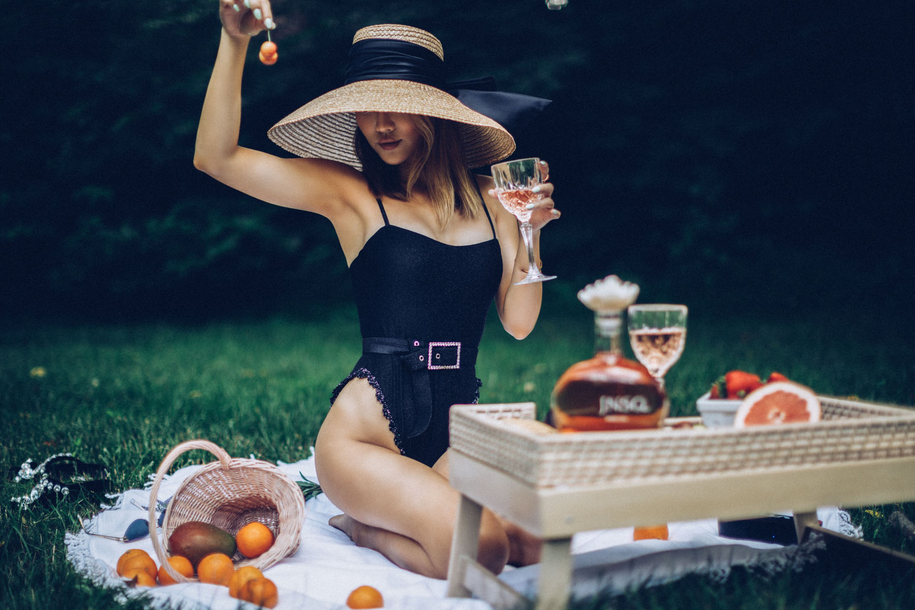 fashion girl's guide to entertaining, jnsq wines, jnsq rose wine, summer rose, black belted bikini, wide brim hat // Notjessfashion.com