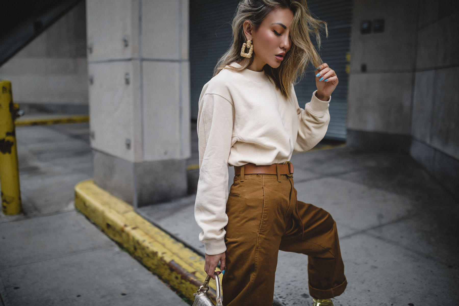 Love the Look! Uniqlo Wide Leg Curved Pants Are a Must-Have for Fall
