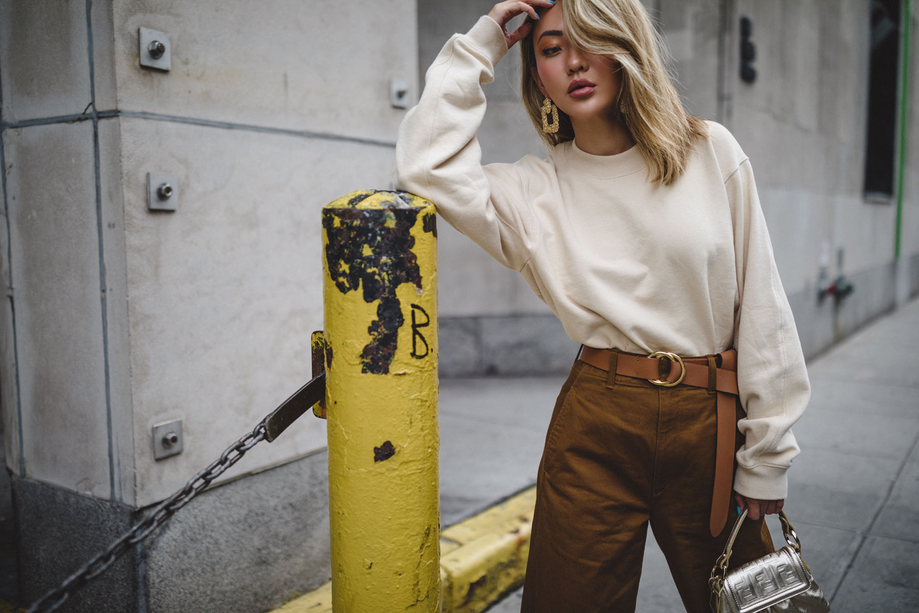 wear metallic, metallic outfit, gold boots, uniqlo curved pants // Notjessfashion.com
