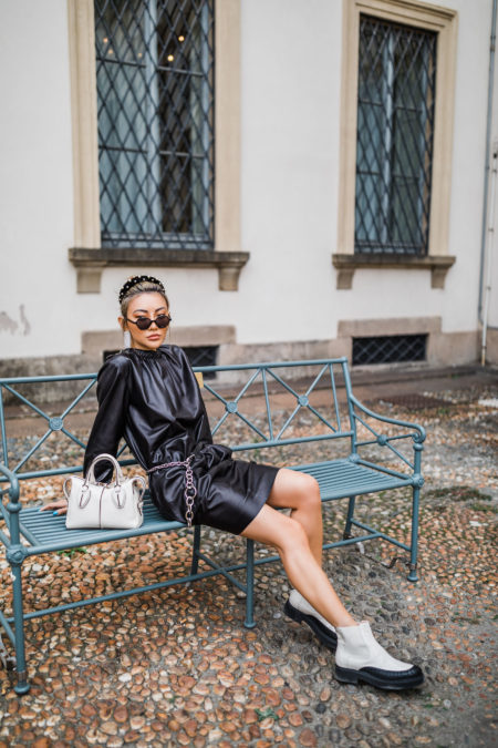pieces that photograph well, all black outfit, white boots, mfw street style // Notjessfashion.com