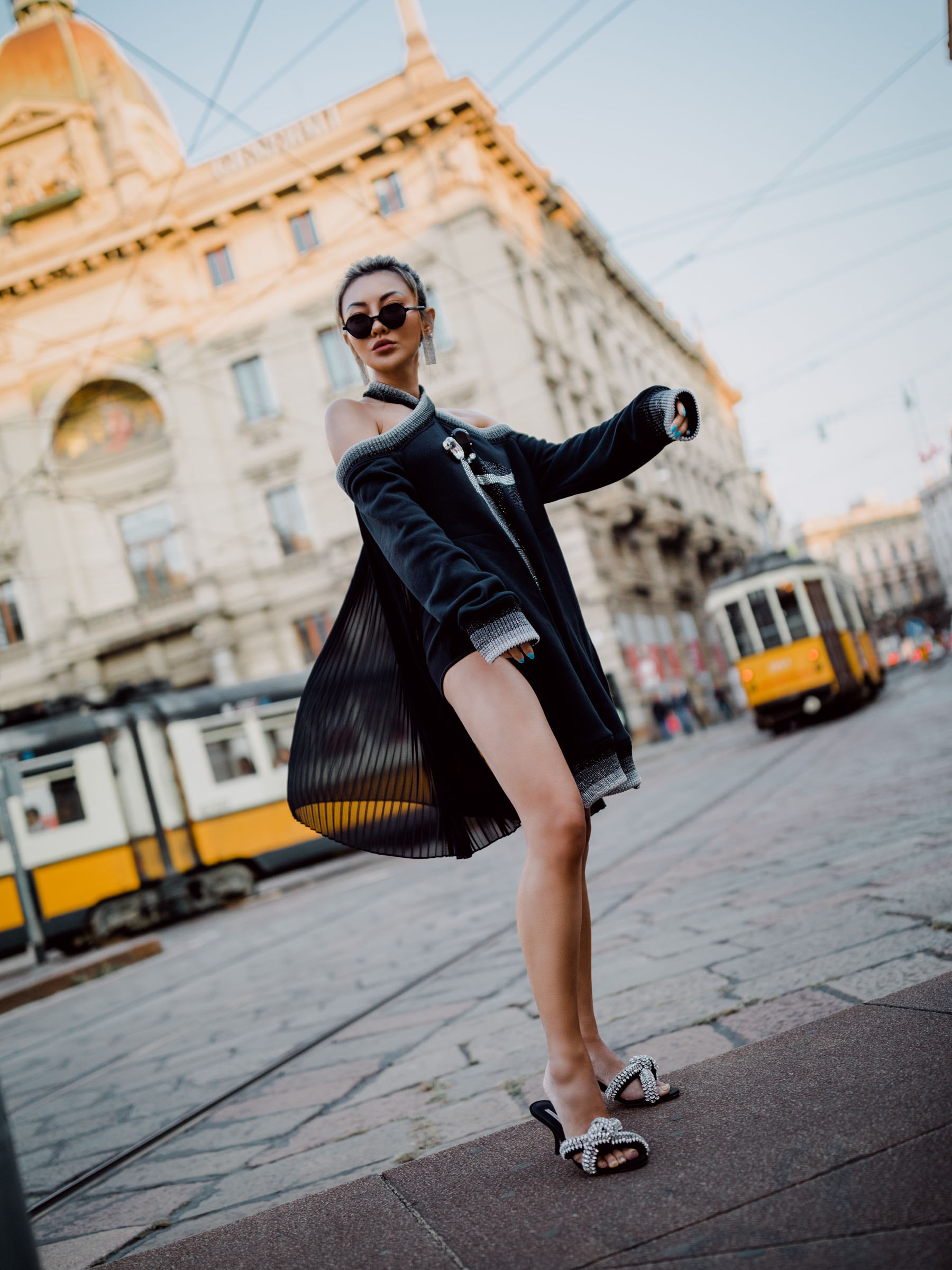mfw street style, Marco De Vincenzo Cold shoulder jumper, illesteva sunglasses // Notjessfashion.com