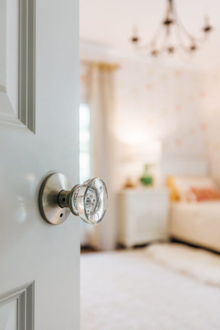 easy ways to upgrade your room, home depot decor, clear door handle, updated door knob, home depot interiors, blogger home decor, guest bedroom inspiration, jessica wang house // Notjessfashion.com