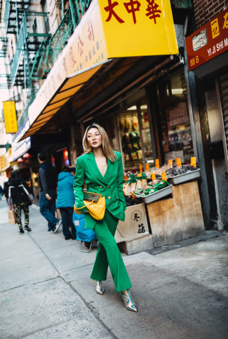 6 PIECES THAT UPGRADE A JEANS AND BLAZER OUTFIT